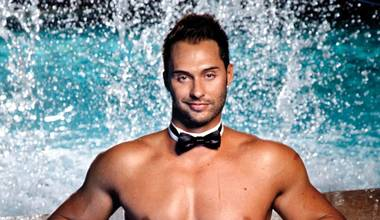 One of the Chippendales is telling you how to set the mood, so listen up.