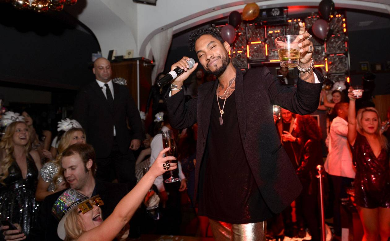The Grammy winner just dropped new album Wildheart and will perform at Drai's before launching his tour.