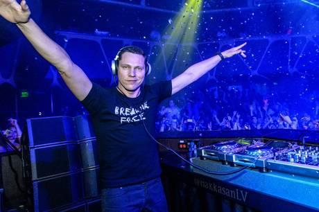 Tiesto with Fergie DJ