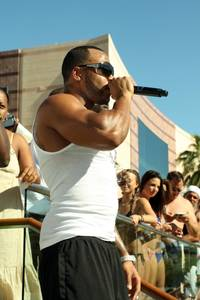 Flo Rida, at home in the cabana and with the crowd, at Wet Republic.