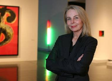 Libby Lumpkin, the celebrated and influential director of the Las Vegas Art Museum, suddenly resigned in December 2008 .