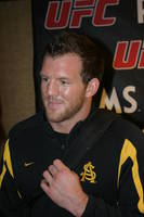 Ryan Bader defeated Vinny Magalhaes for <em>The Ultimate Fighter</em> light heavyweight title.