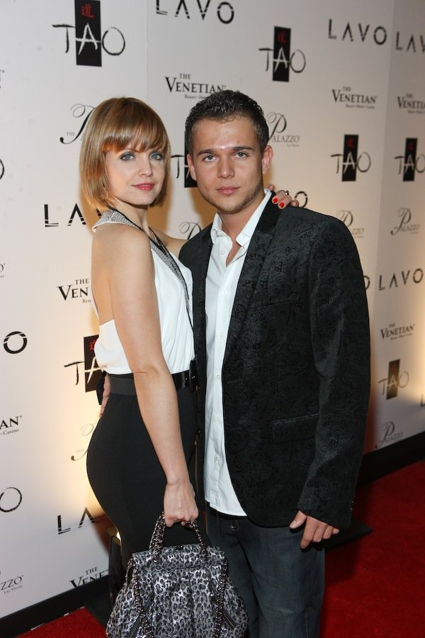 Mena Suvari and Simone Sestito on the red carpet for Tao and Lavo.