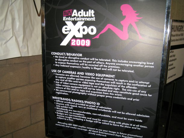 A porn convention's do's and don'ts.