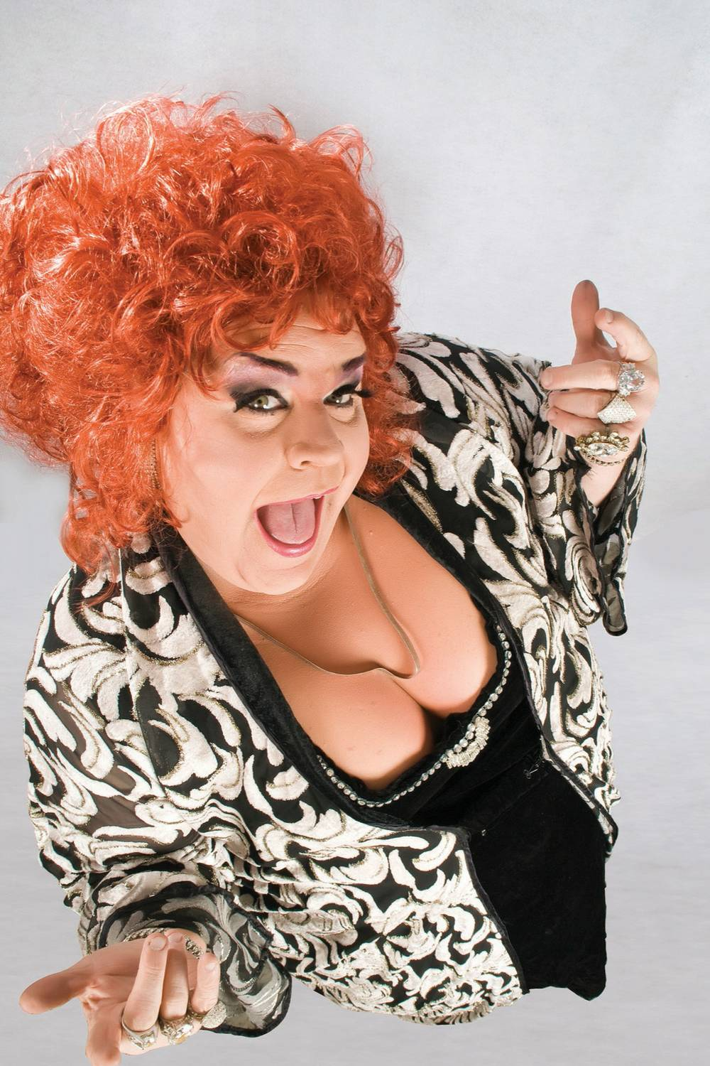 renowned chef and comedian drag queen Perhaps one of the uk's most famous gay men, never mind tv presenters, norton has many chat shows under his belt, including so graham norton, v graham norton and the graham norton show.