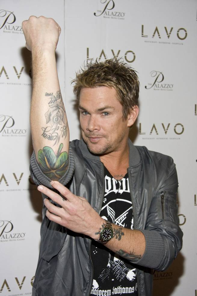 Mark mcgrath marks st paddy s day with tattoo lavo party for Mark mcgrath tattoos