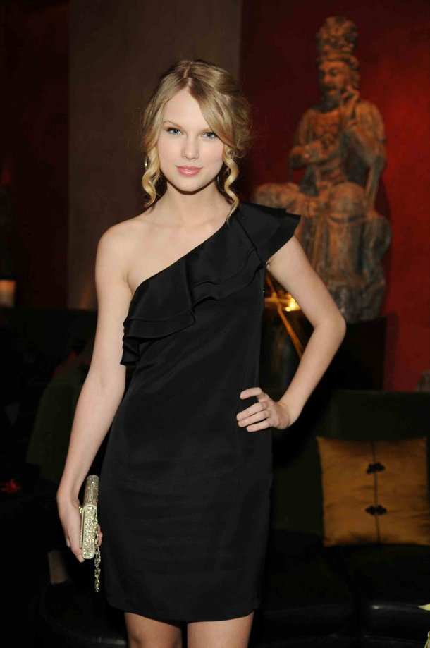 Taylor Swift at Tao.