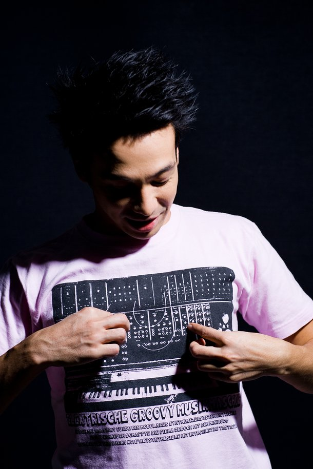 Laidback Luke can make music anywhere with his groovy music machine shirt.