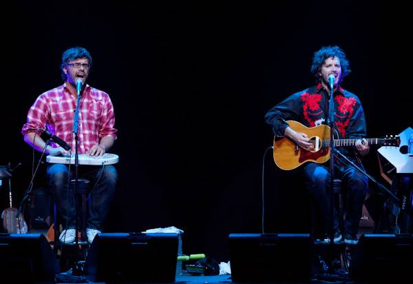 Flight of the Conchords performs at The Rogue Joint.