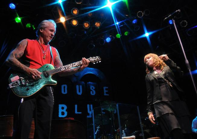 Husband and wife Neil Girardo and Pat Benatar perform at the House of Blues.