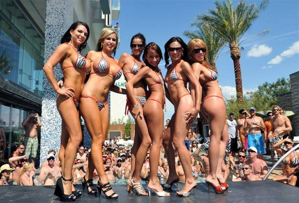 holiday isle bikini contest