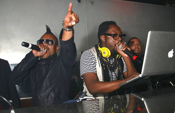 Apl.de.ap and Will.I.Am of the Black Eyed Peas perform at Prive in Planet Hollywood.