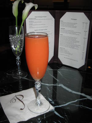 One of Laguna's signature creations, Minty Bubbles, combines rum and Champagne.