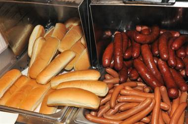 Fans of Pink's Hot Dogs have yet another reason to line up for the famous franks, as a second Las Vegas location will open at Red Rock Resort this winter. ...