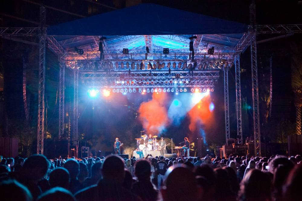Red Rock Resort S Concert Schedule Plays It Big And Small Inside