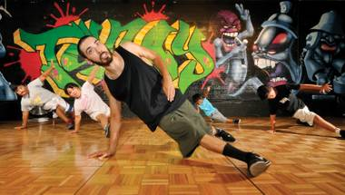 Walk it out: Eric Salazar of Knucklehead Zoo gets educational at Tunay.