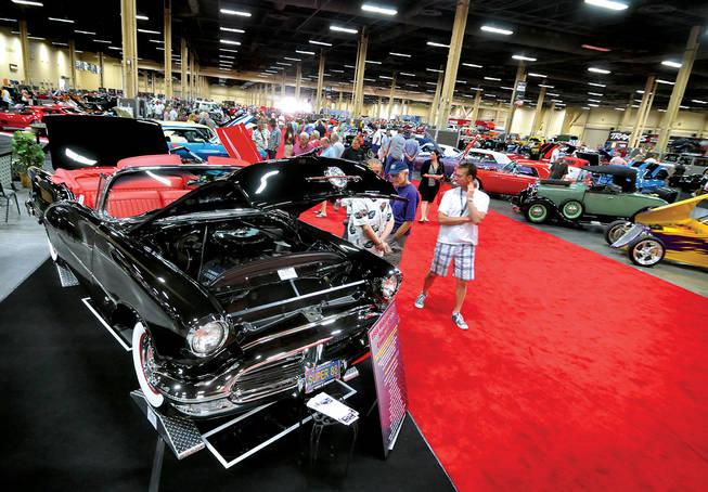 Shocks And Awe On The Floor At BarrettJackson Las Vegas Sun - Barrett jackson car show las vegas