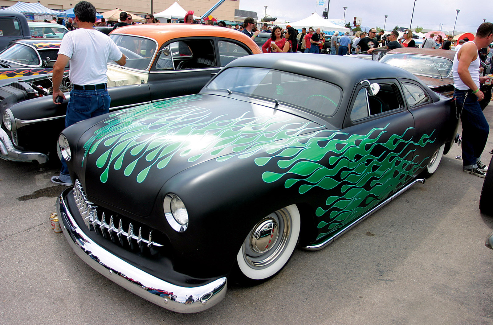 Hot Rods Rockabilly And Beauties Roll Into The Orleans Viva Las