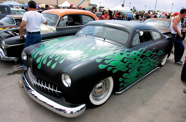 Hot Rods Rockabilly And Beauties Roll Into The Orleans Viva Las - Viva las vegas car show
