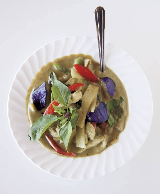 Prommares' green coconut curry.