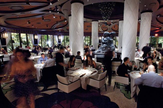 Dine, drink <em>and</em> party at Botero Supper Club.