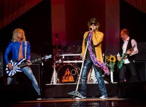 Def Leppard's first performance of <em>Hysteria</em> for its Joint residency was a polished spectacle.
