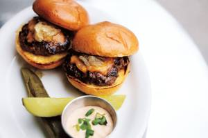 Mingo's sliders are hard to resist.
