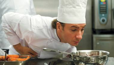 French comedy star Michaël Youn stars in Le Chef.