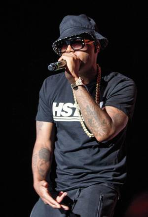 Nas plays Cosmo's Boulevard Pool on October 17.