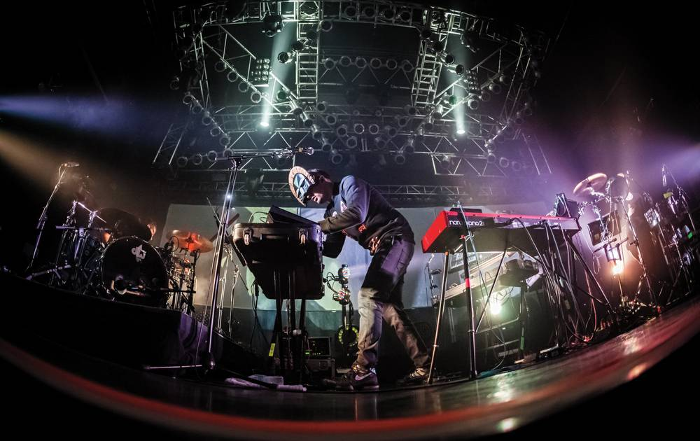 Las Vegas Treats Electronic Act Sbtrkt With Surprising Reverence