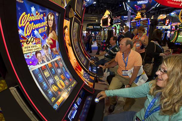 G2E gamers take Wonder Woman for a spin.