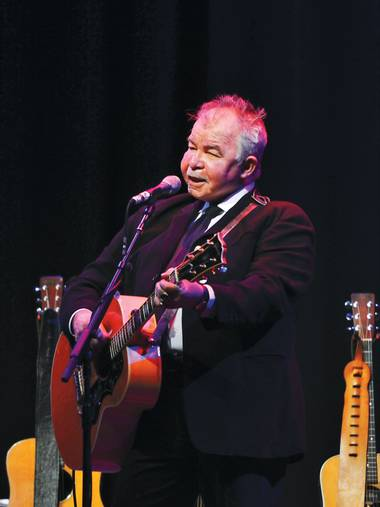 John Prine's voice and recall may have faded, but his ability to transfix an audience remains intact.