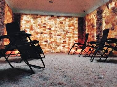 Salt Room LV's salt therapy purportedly alleviates respiratory and skin conditions ranging from asthma to psoriasis.