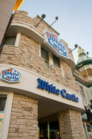 White Castle sliders resemble burgers about as much as a Velveeta-Rotel dip resembles Mexican food. Which is to say: There's very little in common, but who cares when it tastes this awesome?
