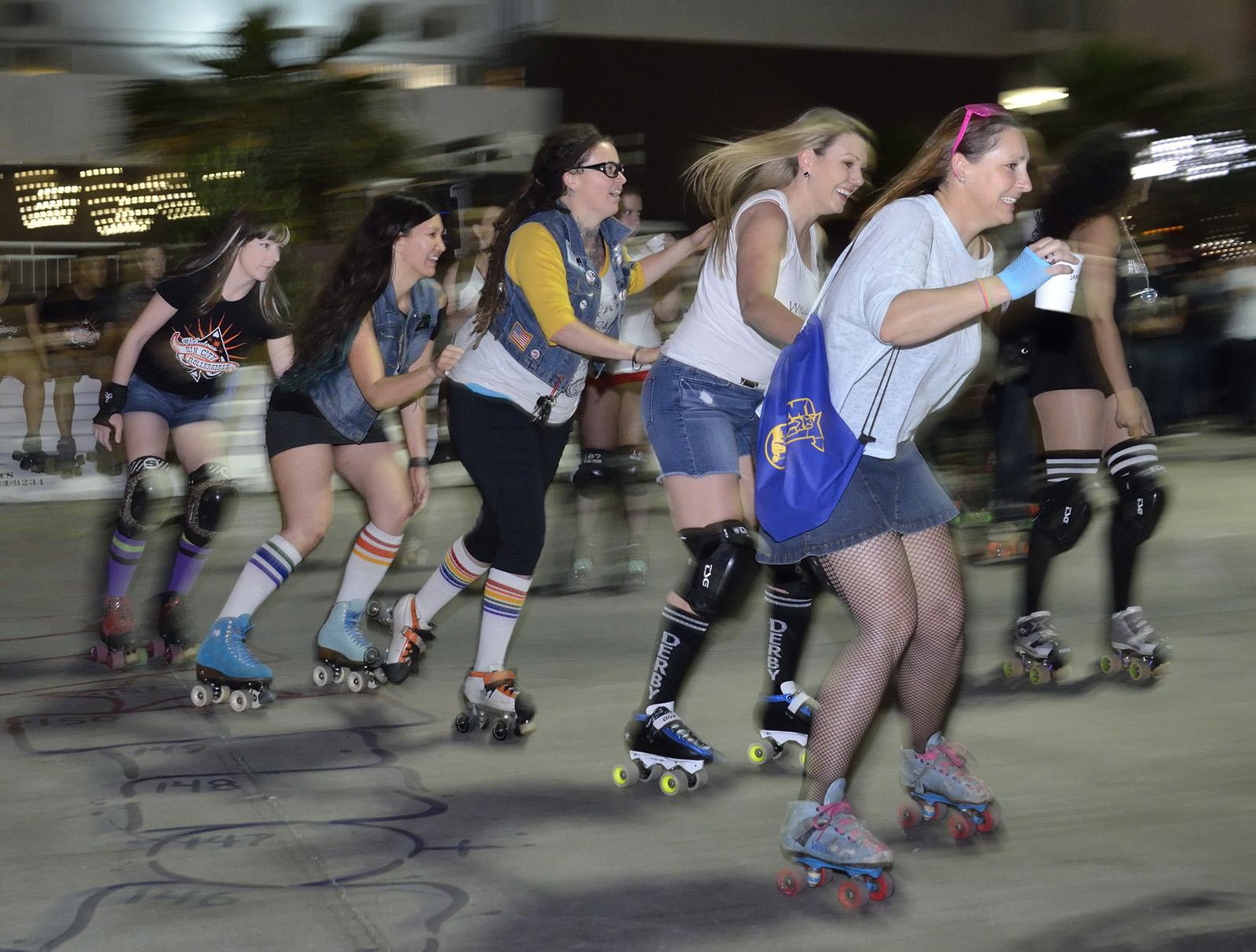 Roller skates las vegas - Roller Disco Down Derby Is A Lively Nightlife Alternative Las Vegas Weekly