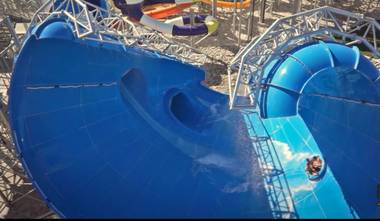 Cowabunga Bay's Beach Blanket Banzai water slide.