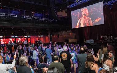 The Dead's Vegas faithful turned out for the band's Chicago finale.
