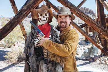 Las Vegas prospector Jeff Williams will teach you to find gold on the streets and in Home Depot sand.