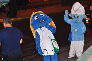 Smurf characters busking on Fremont Street