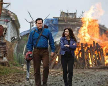 Bruce Campbell and Dana DeLorenzo fight the undead.