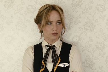 Jennifer Lawrence plays the titular character, inventor Joy Mangano, with her typical grit.