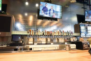 Whole Foods Henderson's new eatery is serving burgers, flatbreads and sushi rolls, and has an impressive lineup of 24 draft beers.