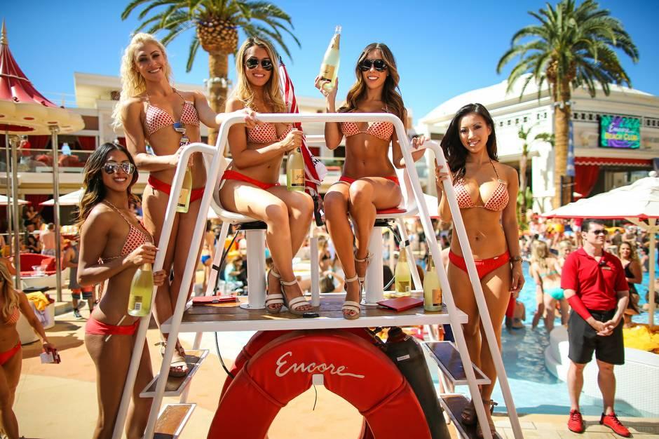 Skrillex At Encore Beach Club April 17