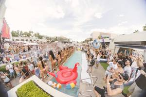 The Chainsmokers at Wet Republic, May 1