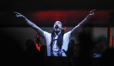 Steve Aoki is set to perform at Jewel over Memorial Day Weekend.