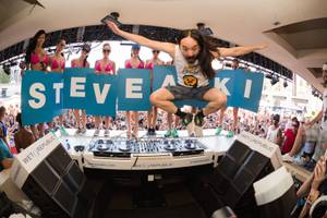 Steve Aoki at Wet Republic, June 20