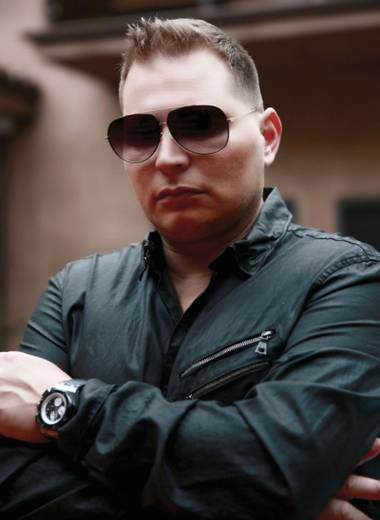 Scott Storch shares some of his hits this weekend at LAX at Luxor.