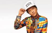 Bruno Mars said Saturday he is donating $1 million from his Michigan concert to aid those affected by the Flint water crisis. ...