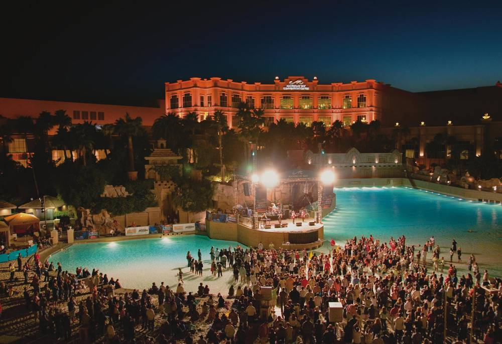 Mandalay Bay Beach Kicks Off Its Concerts Series With An Acm Bash This Weekend