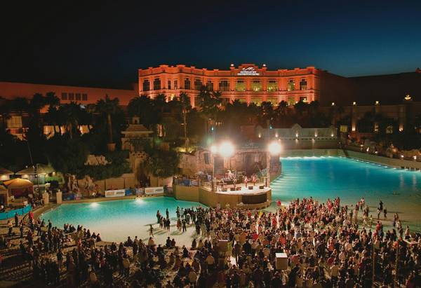 Mandalay Bay Beach Enhances The Outdoor Concert Experience